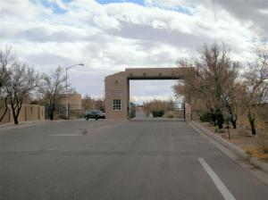 2258 Calle De Silverio, Los Lunas, NM, 87031 United States