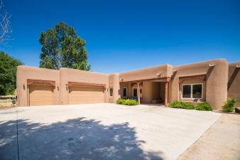 10 Haciendas Del Valle, Peralta, NM, 87042 United States