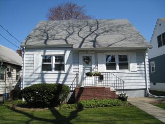 27 Keiber Ct, Staten Island, NY, 10314 United States
