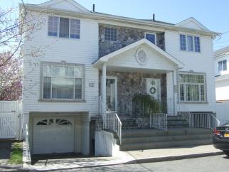 16 Jessica Lane, Staten Island, NY, United States