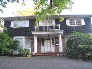 40 Willow Pond Road, Staten Island, NY, 10304 United States
