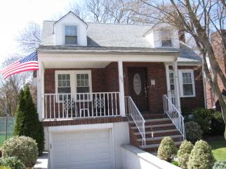 686 Davis Avenue, Staten Island, NY, United States