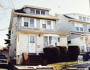 33 Hartford Ave, Staten Island, NY, United States